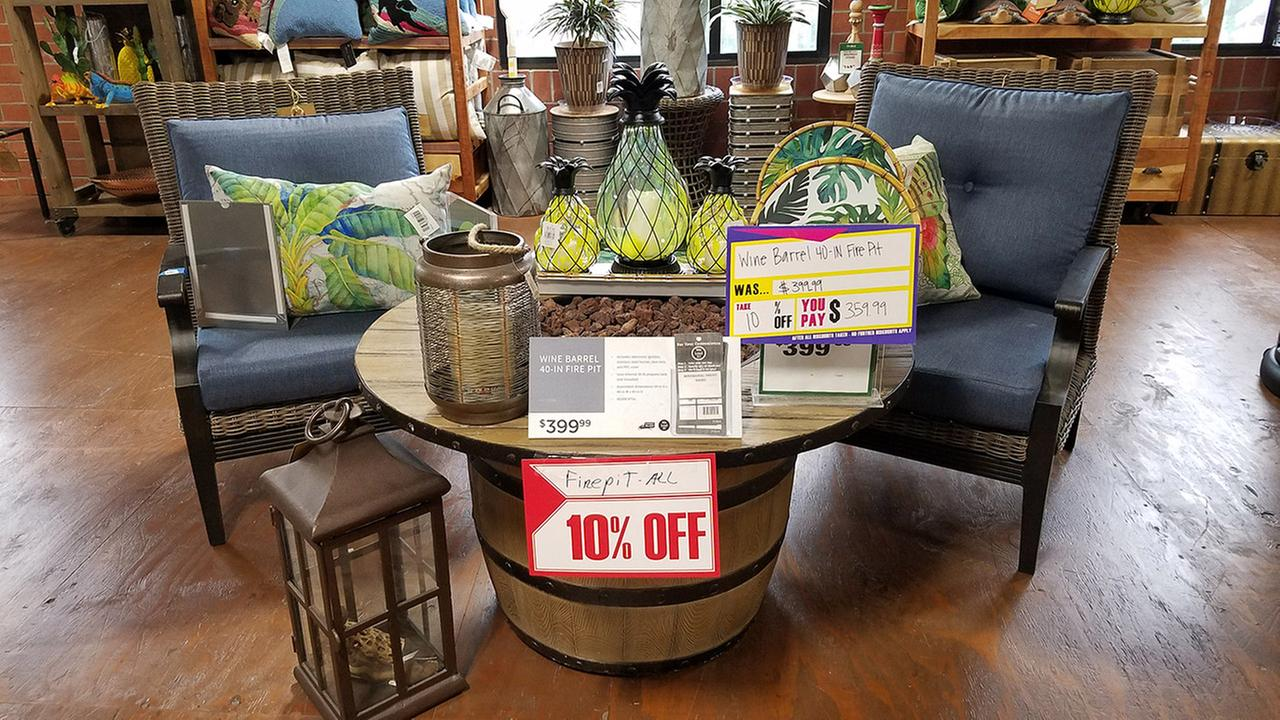 Want a new patio look? The savings may not be huge right now, but Orchard Supply Hardwares 10% off liquidation sale could result in big savings off some items.