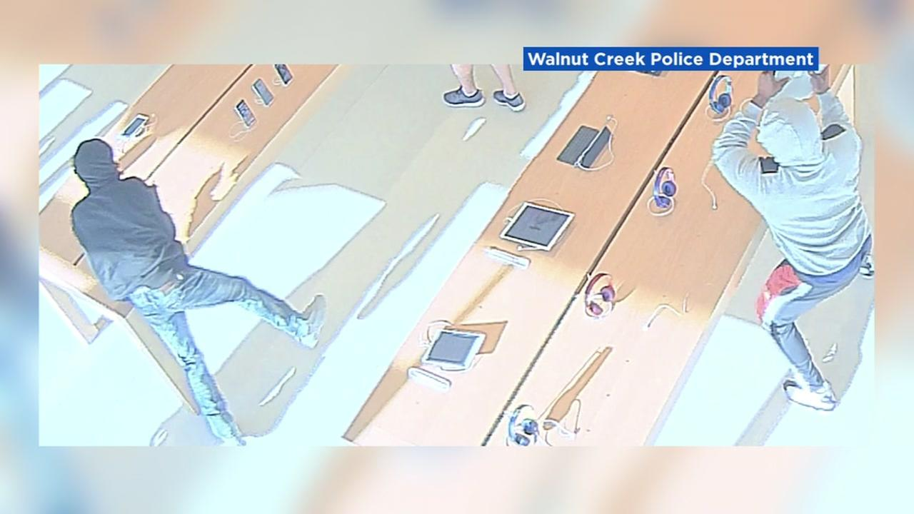 Robbery suspects at Apple store in Walnut Creek, California on Saturday August 25, 2018.