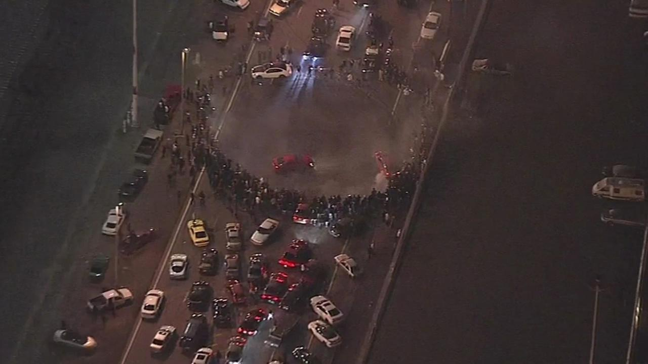 Dozens arrested at sideshow in Oakland