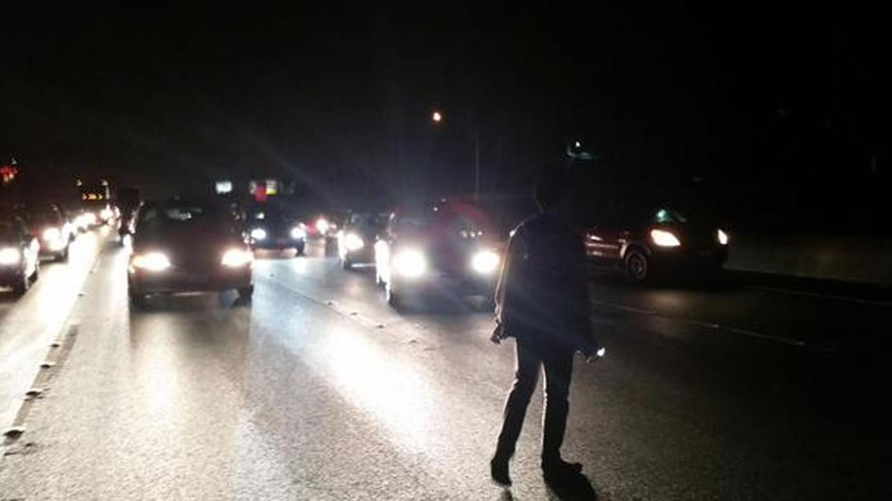 Highway 101 in Palo Alto shut down by protesters