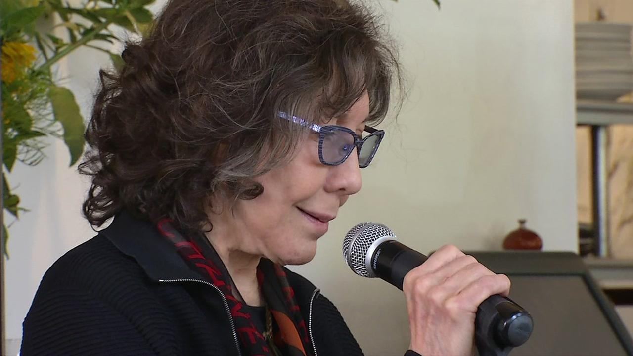 Lily Tomlin rallies for fair wage in San Francisco on Friday, Sept. 14, 2018.