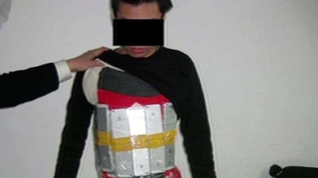 Man tries to smuggle iPhones into China by strapping them to his body