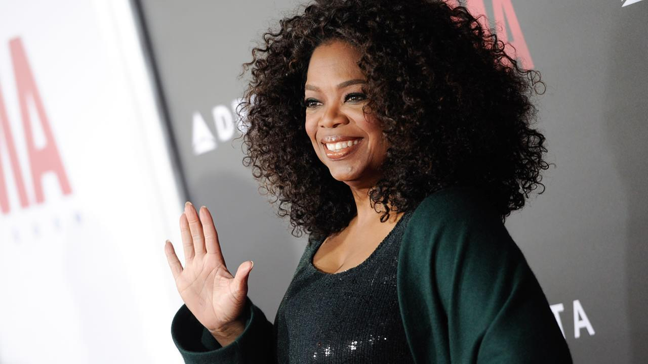 Producer Oprah Winfrey attends the premiere of Selma at the Ziegfeld Theatre on Sunday, Dec. 14, 2014, in New York. (Photo by Evan Agostini/Invision/AP)