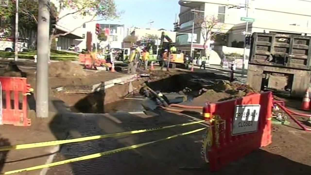 A water main break at Grove and Franklin streets Saturday afternoon created a muddy mess.