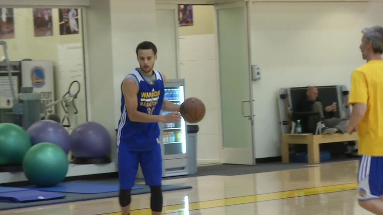Stephen curry at practice