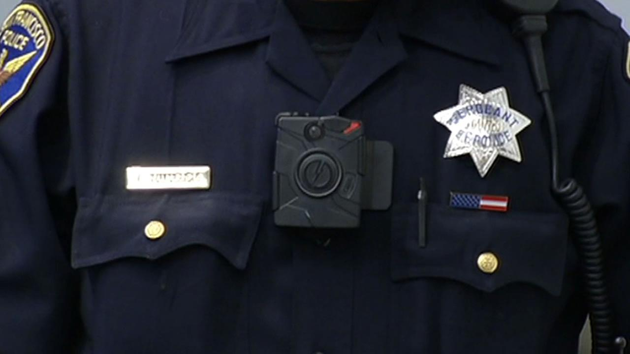 San Francisco police officer wears a body camera