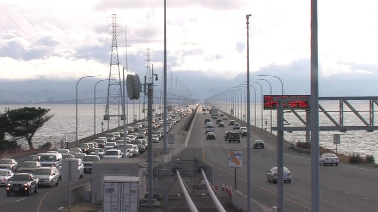 traffic on the San Mateo Bridge