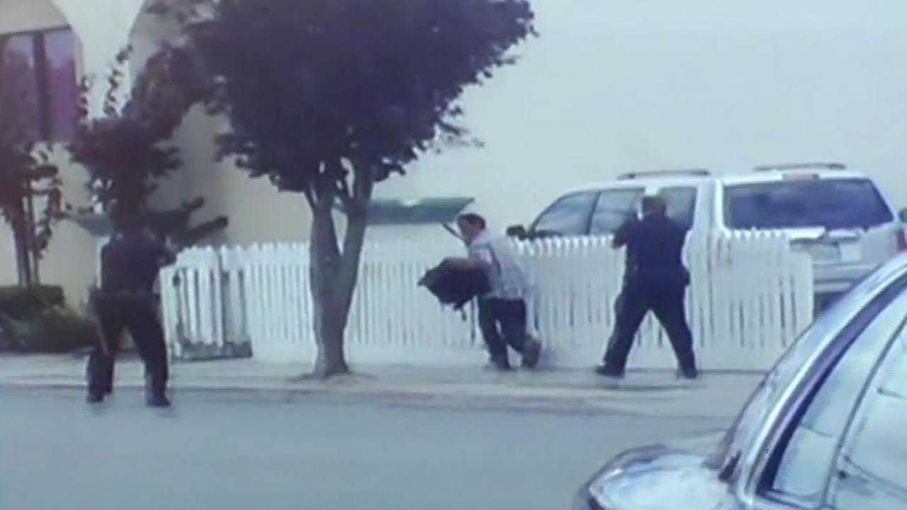 video shows two officers chasing Carlos Mehia