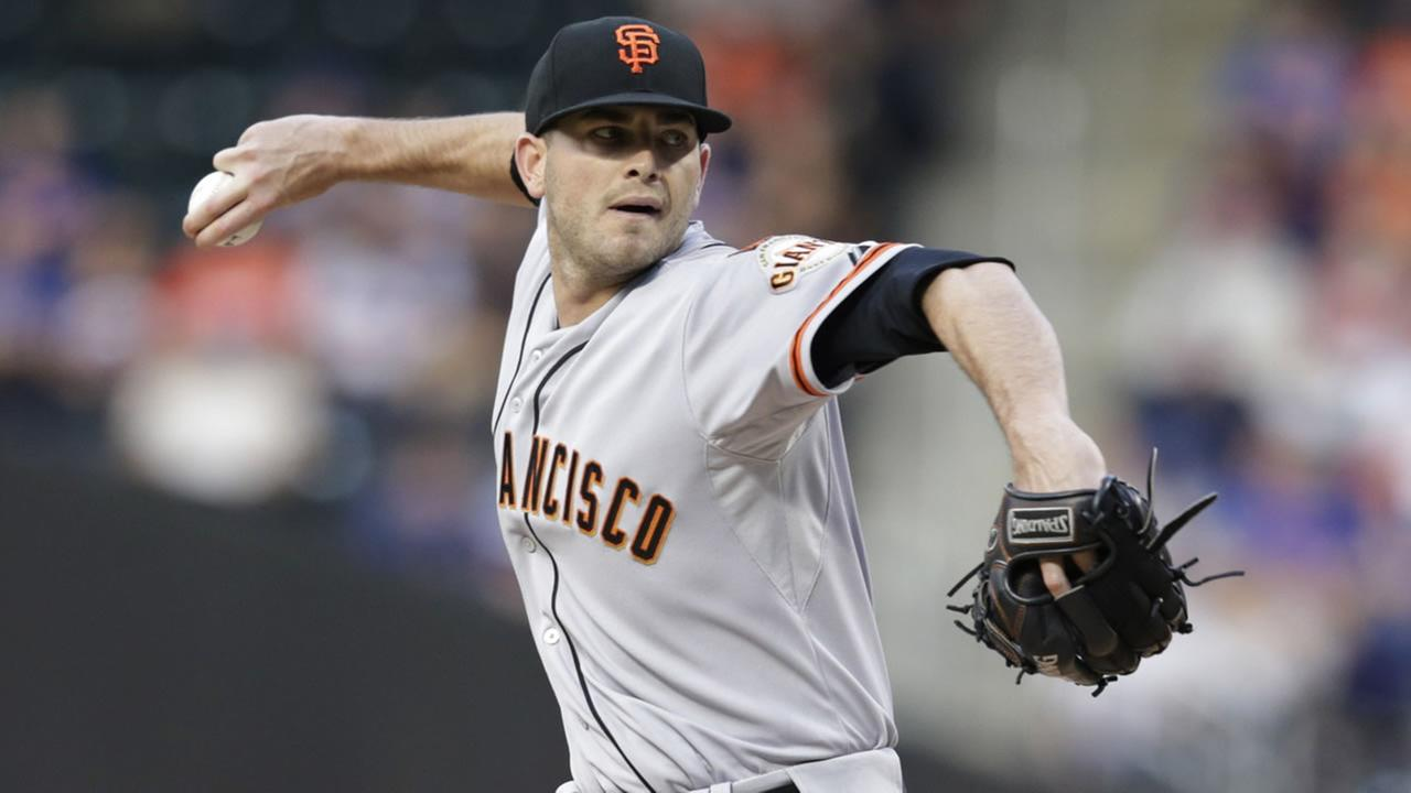San Francisco Giants Chris Heston delivers a pitch during the first inning of a baseball game against the New York Mets on Tuesday, June 9, 2015, in New York.