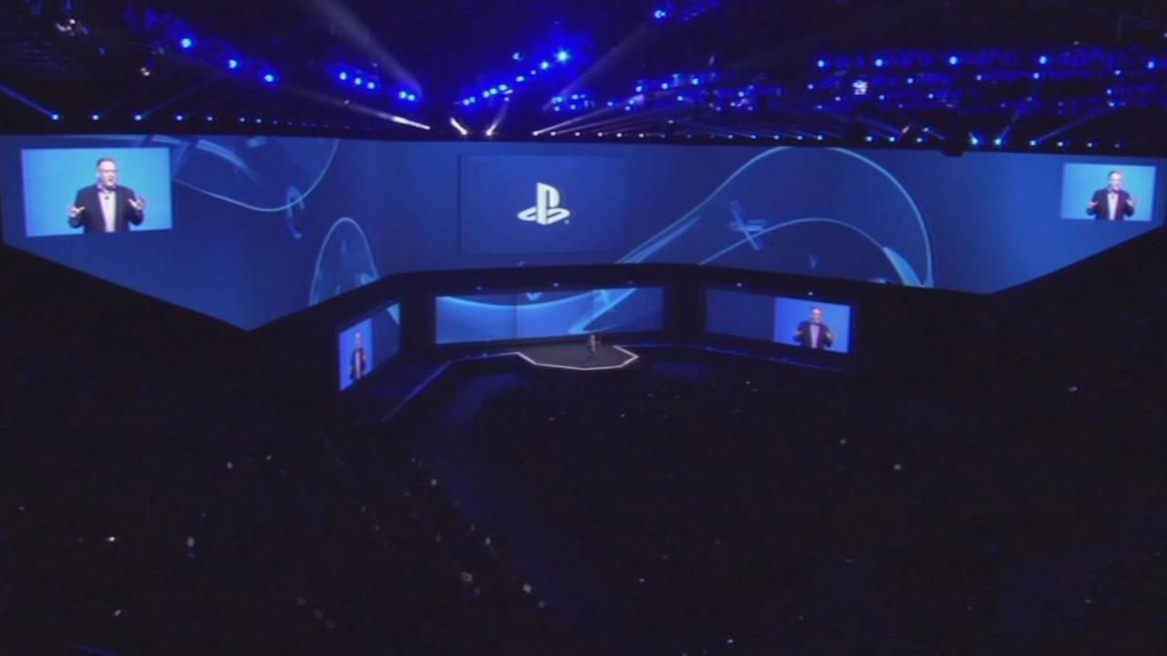 Gamers gathered in San Francisco to watch a live stream of Sonys PlayStation event at the Electronic Entertainment Expo on Monday, June 15, 2015.