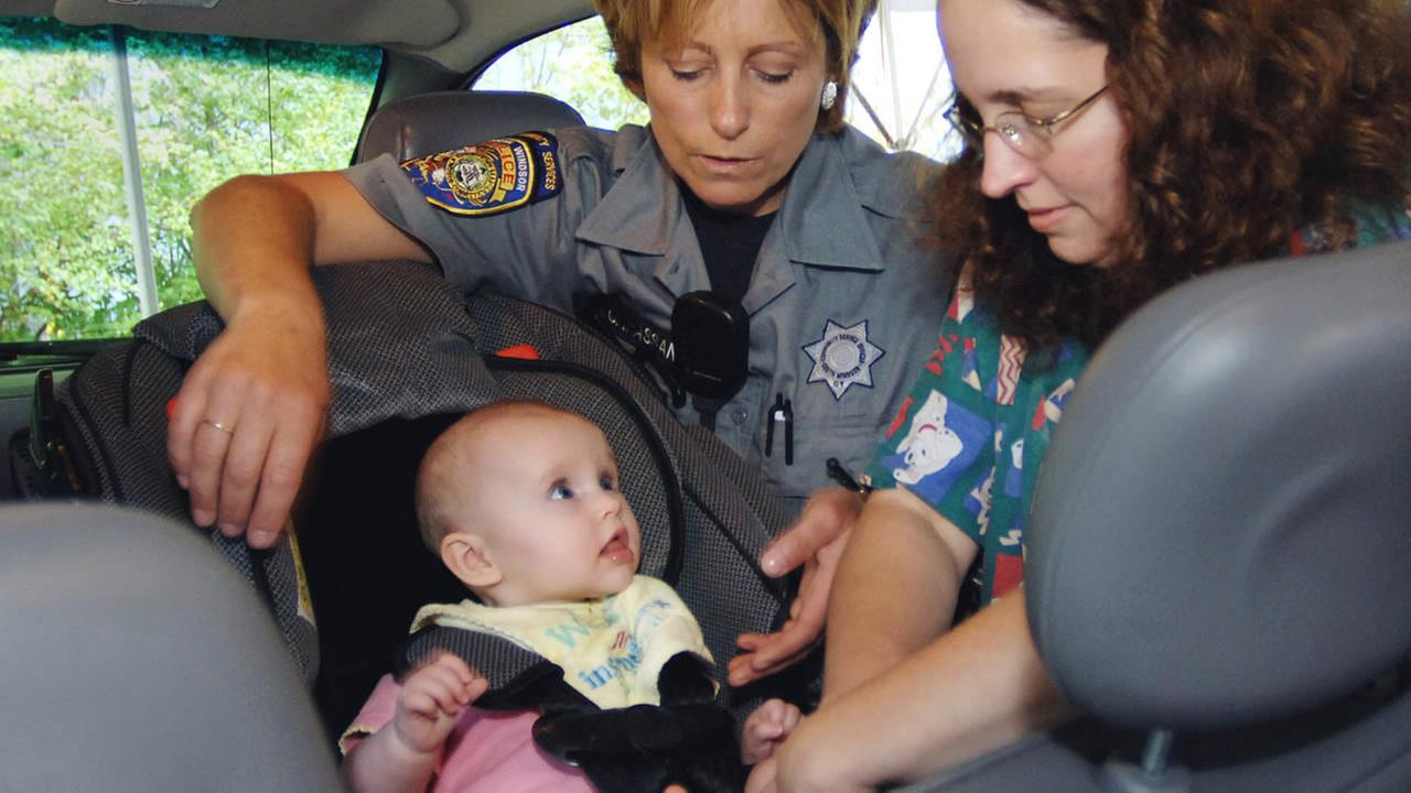 Governor Jerry Brown mandates new rear-facing car seat law ...