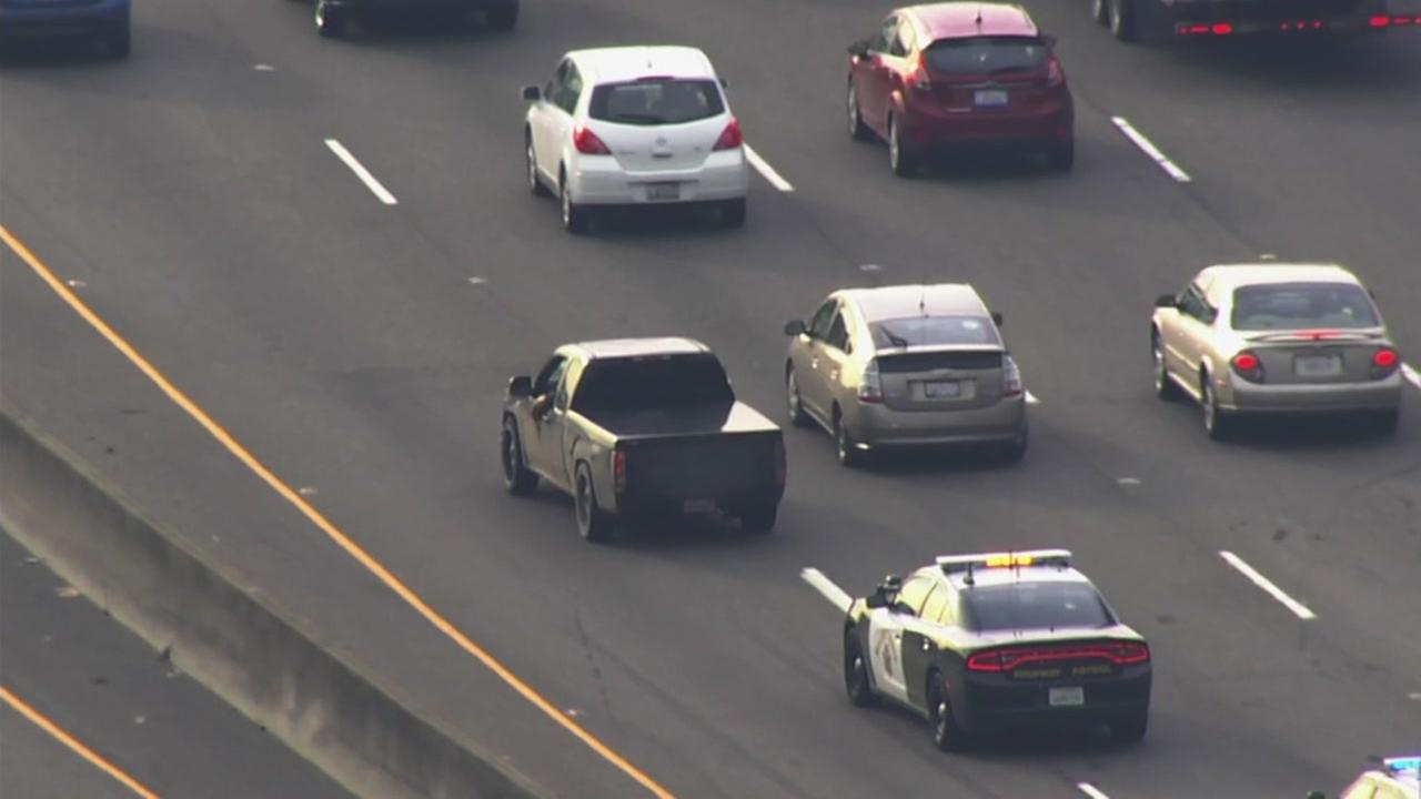 CHP chase on Highway 101 in South San Francisco, Monday, January 29, 2018.