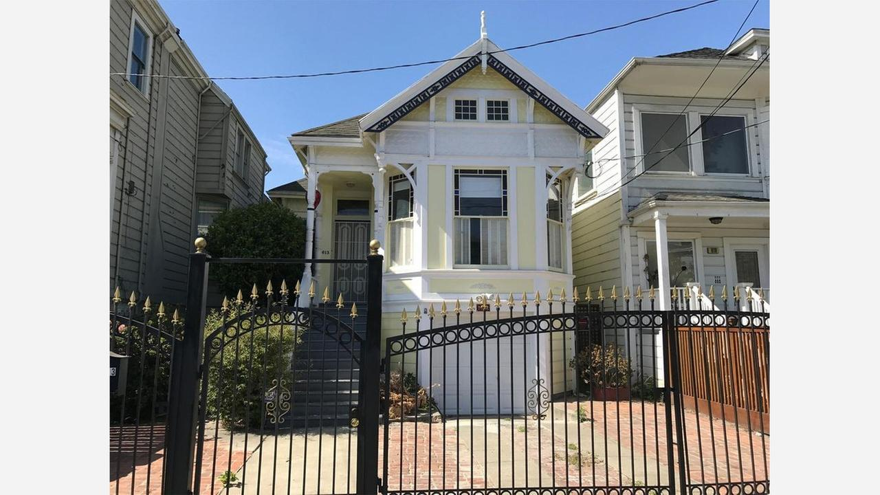 What Will $2,700 Rent Get You In Oakland, Right Now?