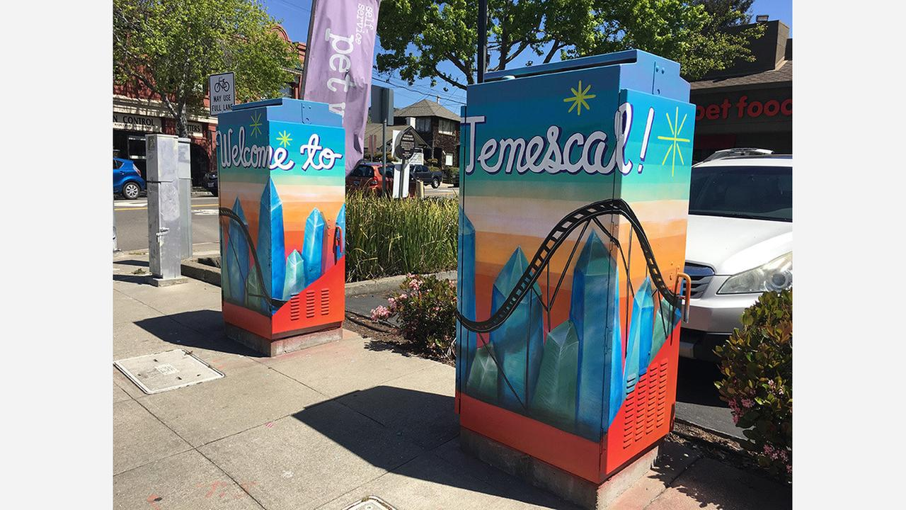 Painted utility boxes at the corner of Alcatraz and Telegraph Avenues. | Photo: Cirrus Wood