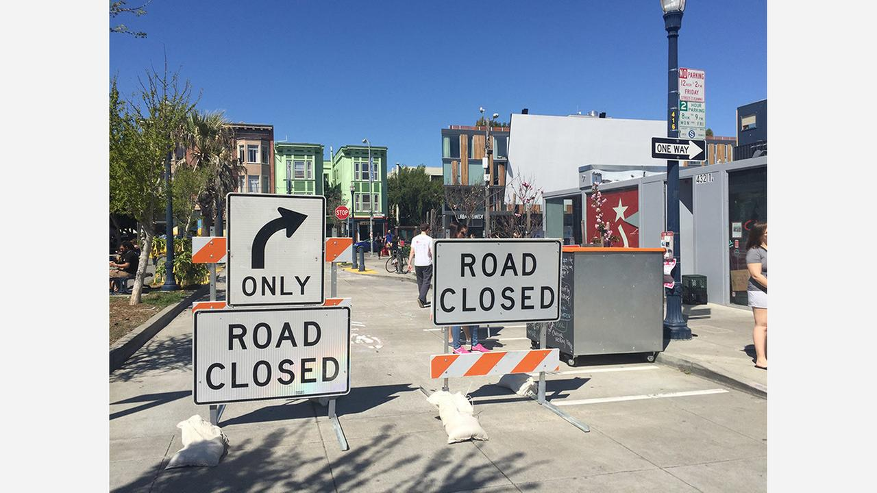 The closed section of Octavia Boulevard last year. | Photo: Teresa Hammerl/Hoodline