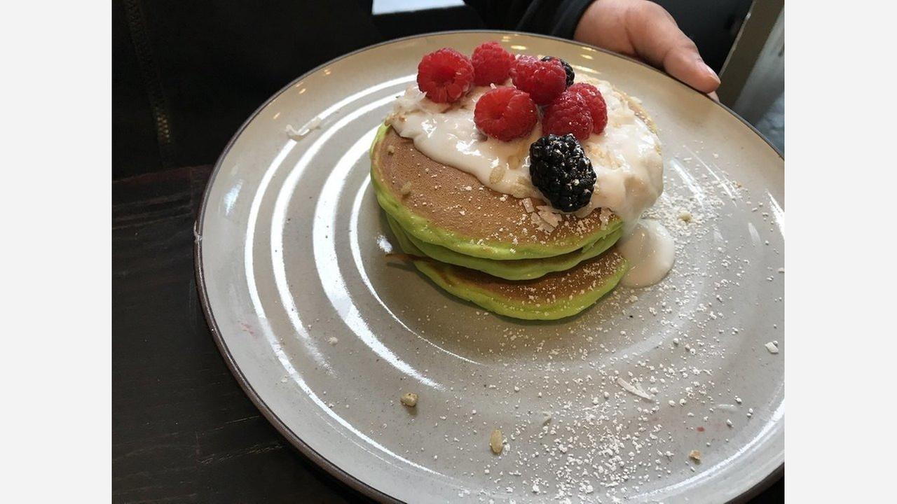 Pandan pancakes. | Photo: Jocelyn K./Yelp