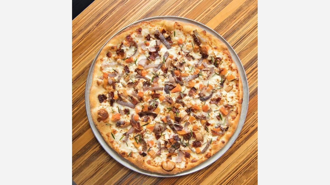 Thin crust pizza.   Photo: Little Star Pizza/Yelp