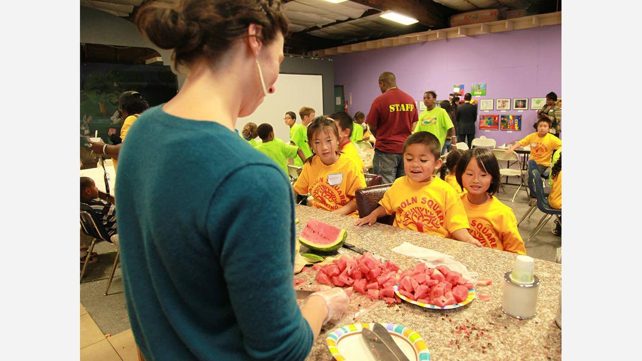 Photos: Alameda County Community Food Bank/Facebook