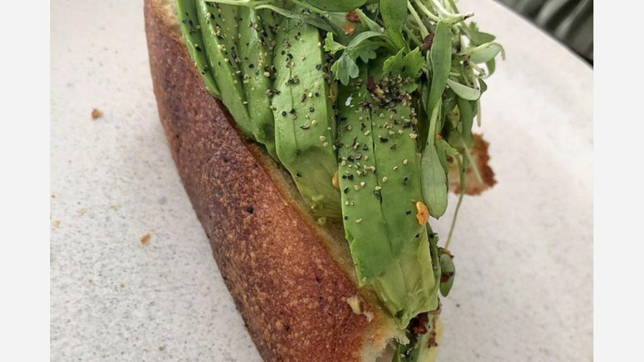 Avocado toast at Romos Caffe. | Photo: Nathan D./Yelp