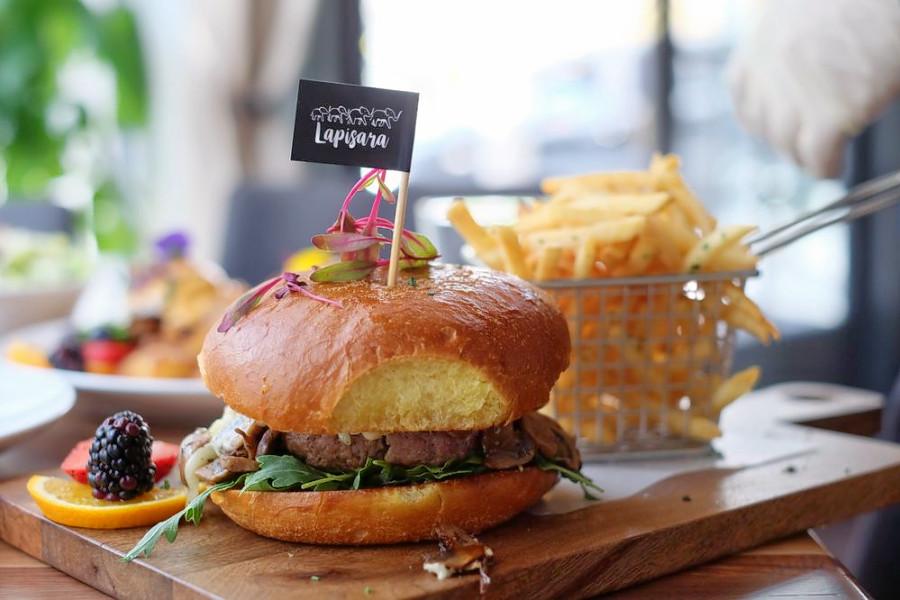 Photo: Lapisara Eatery/Yelp