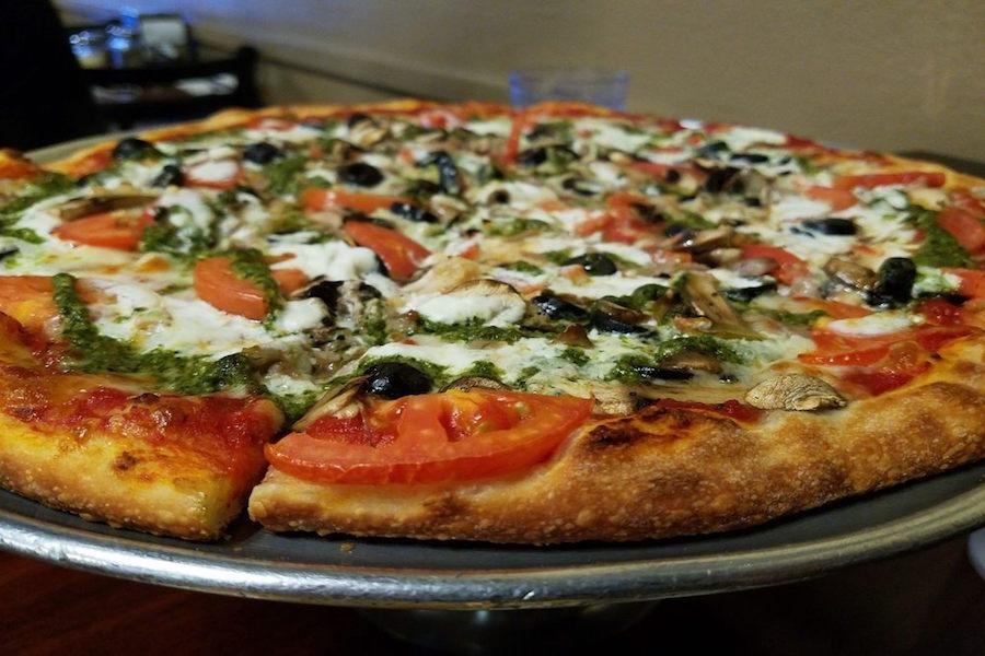 Giovannis Pizzeria. | Cecilia L./Yelp