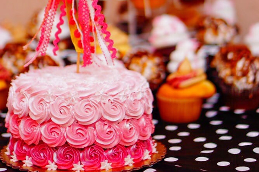 Hummingbird Bakery and Dessert Bar. | Photo: Jessica G./Yelp