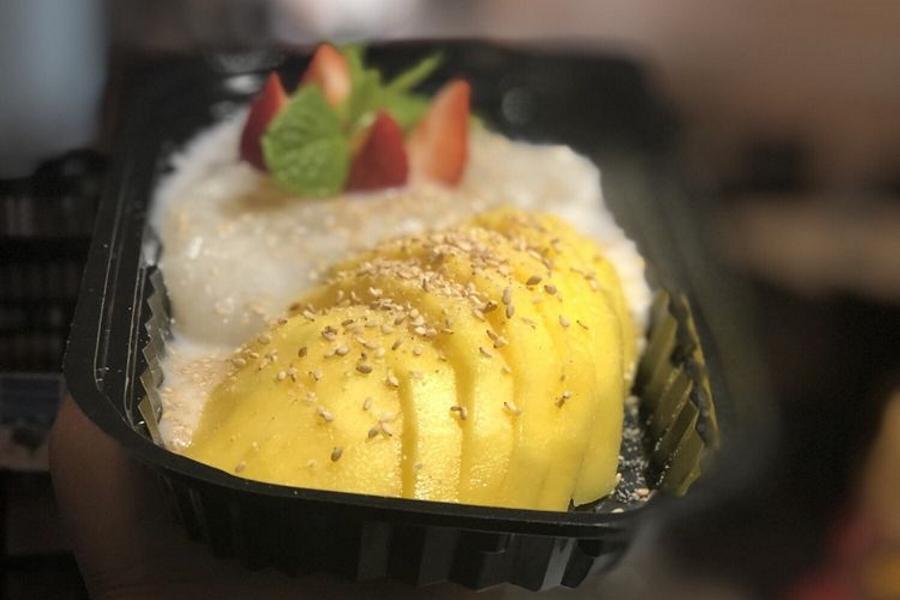 Maya Thai-Lao Restaurant.   Photo: KareBear X./Yelp