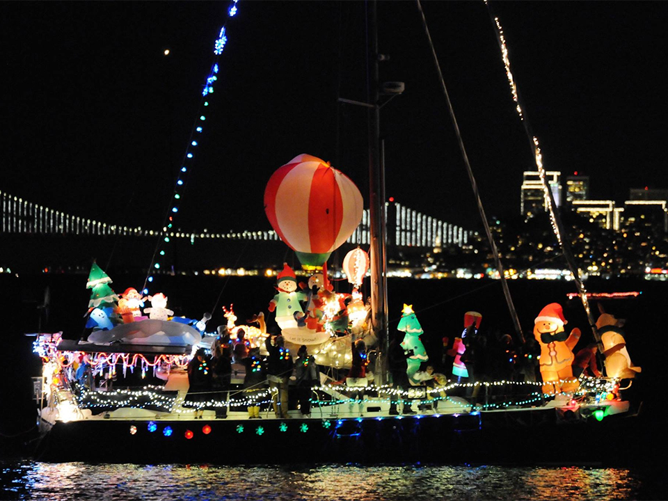 Lighted Boat Parade. | Photo: Carpe Diem San Francisco