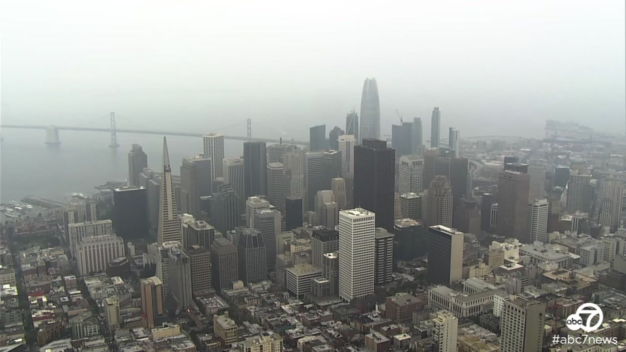 No, thats not fog. The hazy conditions over the San Francisco Bay Area are because of smoke from wildfires nearby.