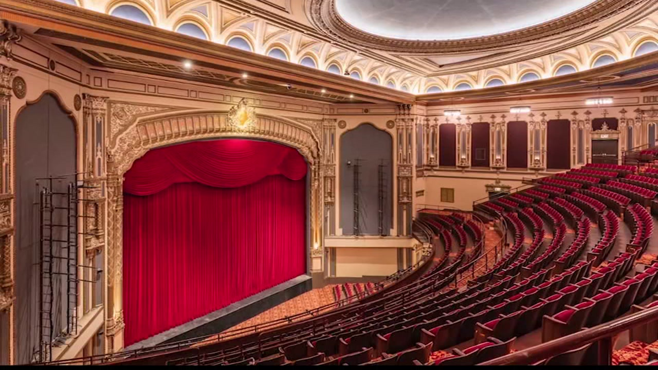 The Golden Gate Theatre opens its doors after a year-long renovation!