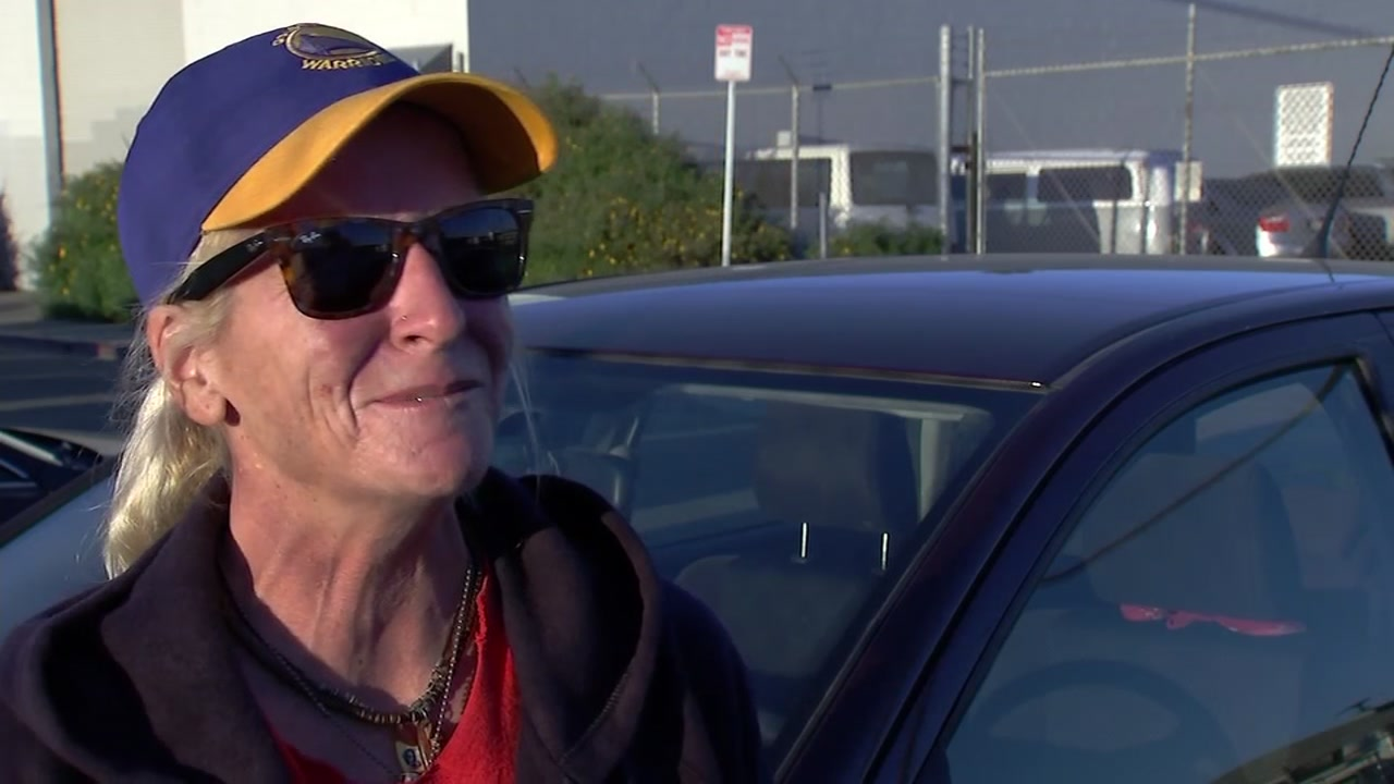 Remember the Oakland woman who was living in her car despite working two jobs? Shes now getting behind the wheel of a new life, thanks to ABC7 viewers.