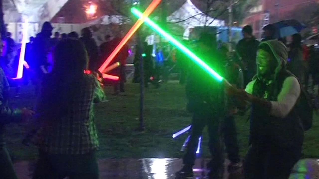 star wars fans unite for epic lightsaber fight in san francisco