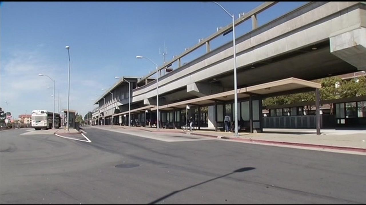 Family sues BART after child robbed, claiming security gaps