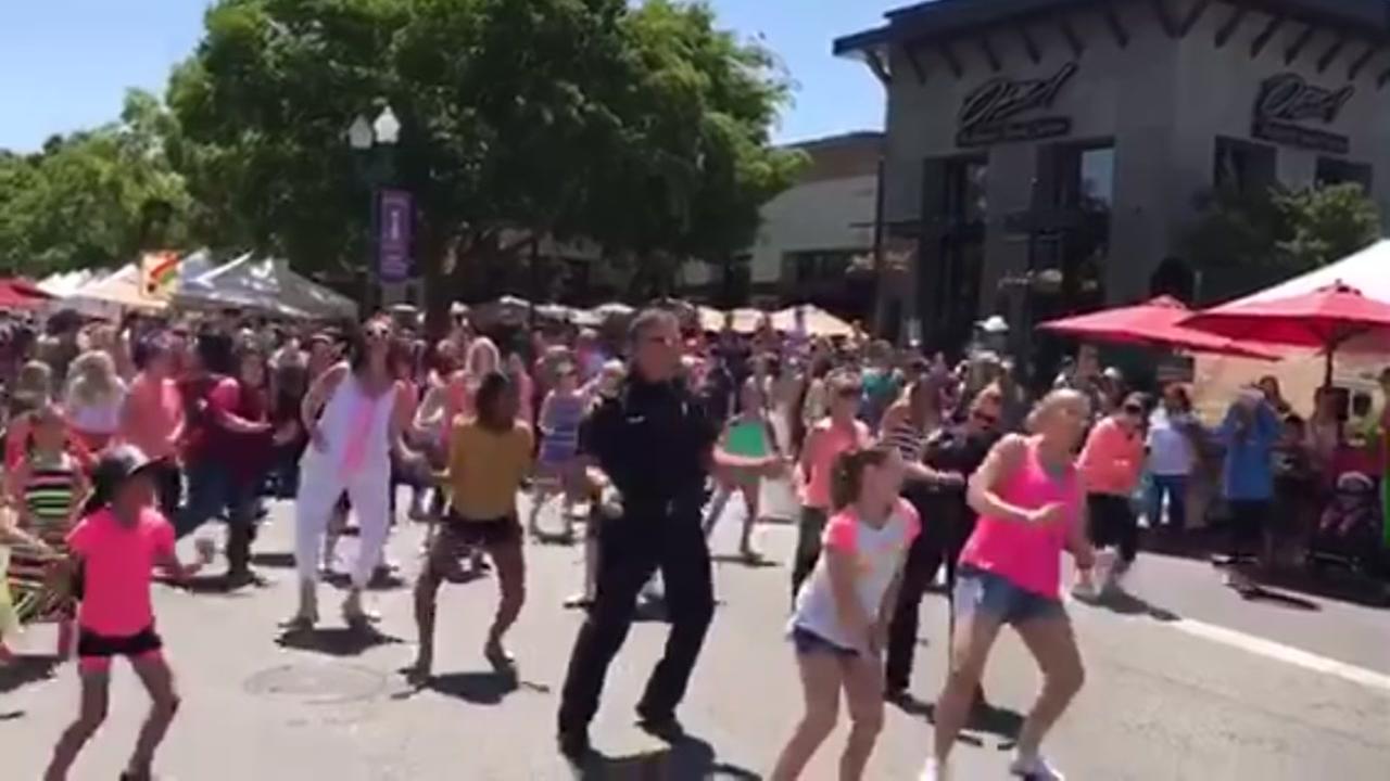 flashmob dance