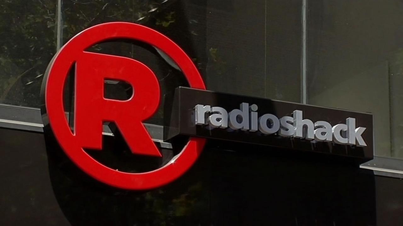 RadioShack is turning to startup products to try and lure in more shoppers.