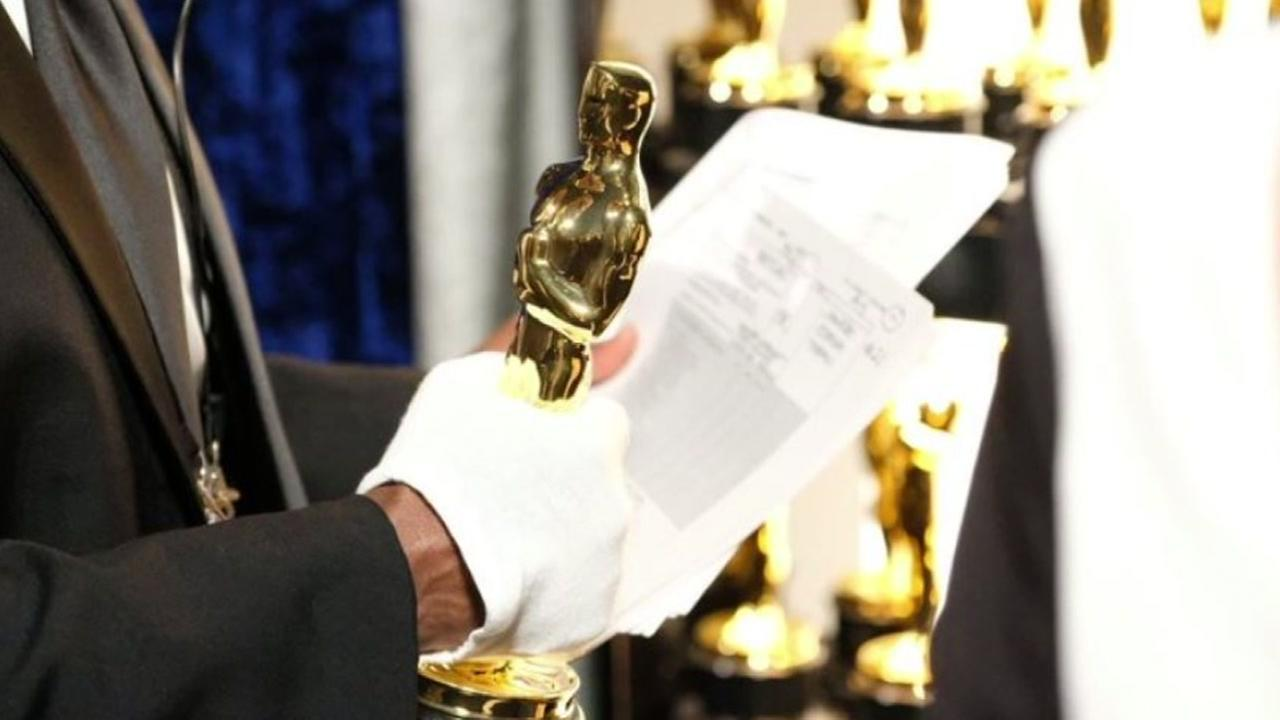 An Academy Award statuette is seen in this undated image from the Oscars Red Carpet.