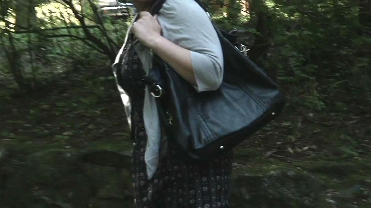 The black purse the ring was found in