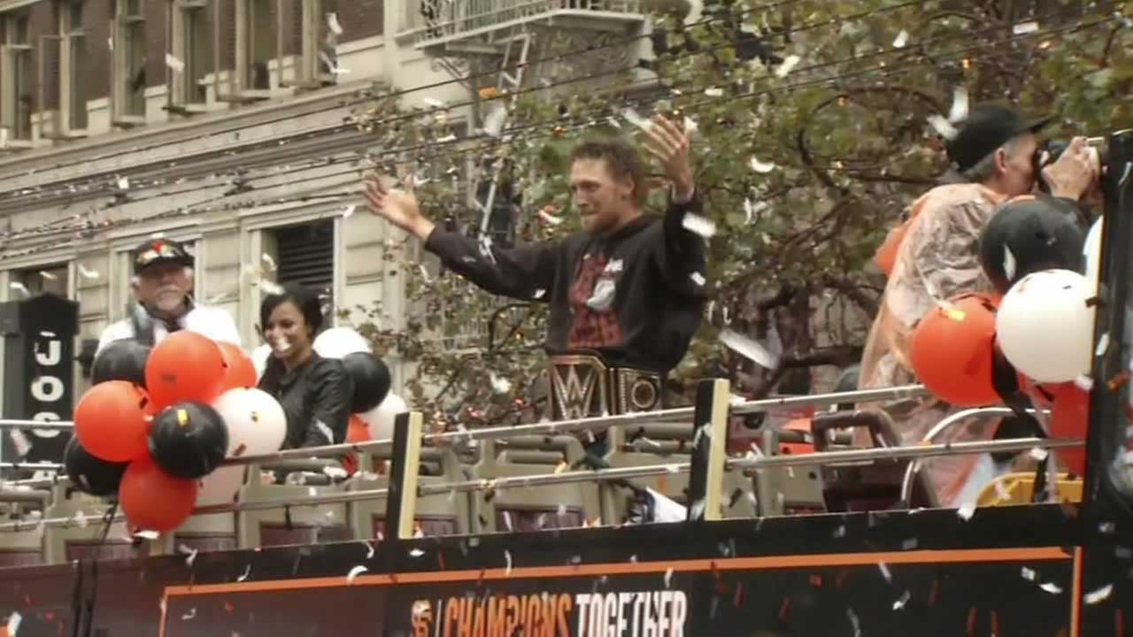 Hunter Pence rallying the World Series fans at the parade.