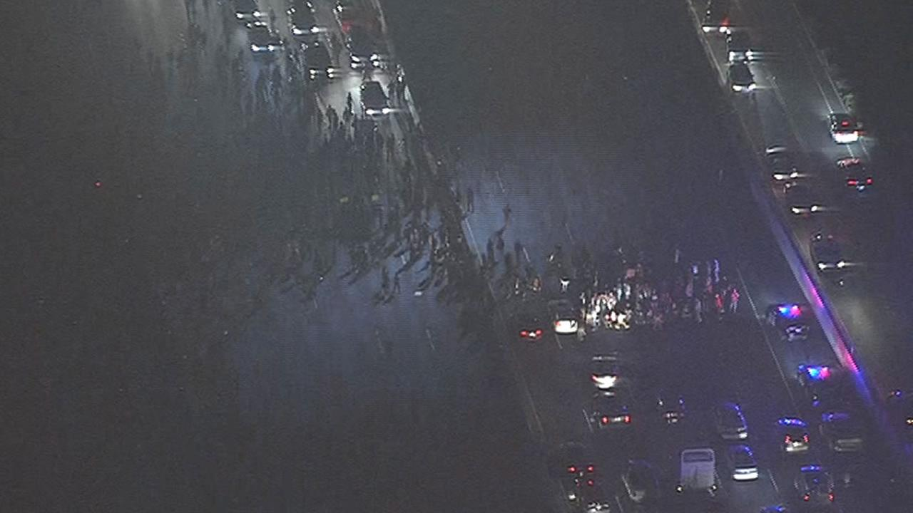 Protesters on I-80 in Berkeley near University Avenue