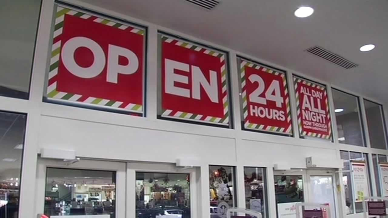 Many stores extended their hours until 6 p.m. Wednesday night trying to get shoppers holiday cash.