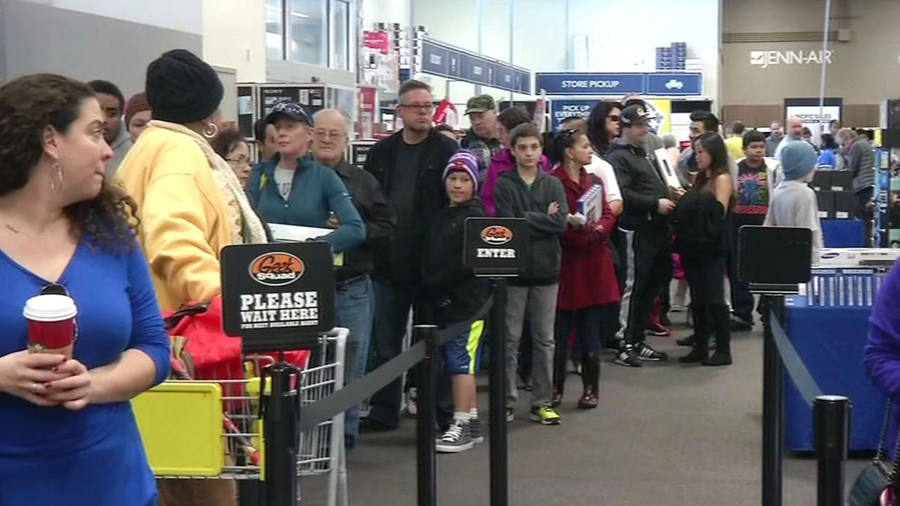 people wait in long lines to return get tech support with christmas gifts from best buy abc7newscom - Best Buy Christmas Return Policy