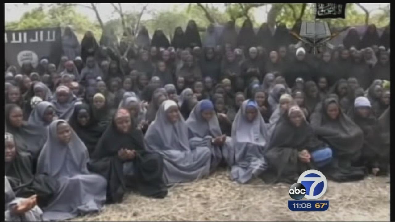 Community rallies in Palo Alto for Nigerian schoolgirls