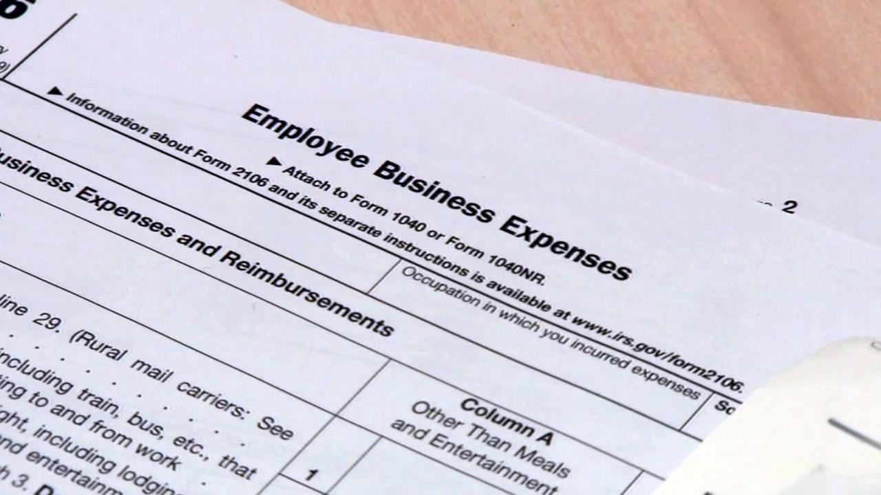 Tax Day freebies ease pain of filing | abc7chicago.com