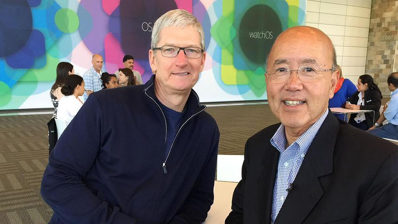 Apple CEO Tim Cook with ABC7 News reporter David Louie