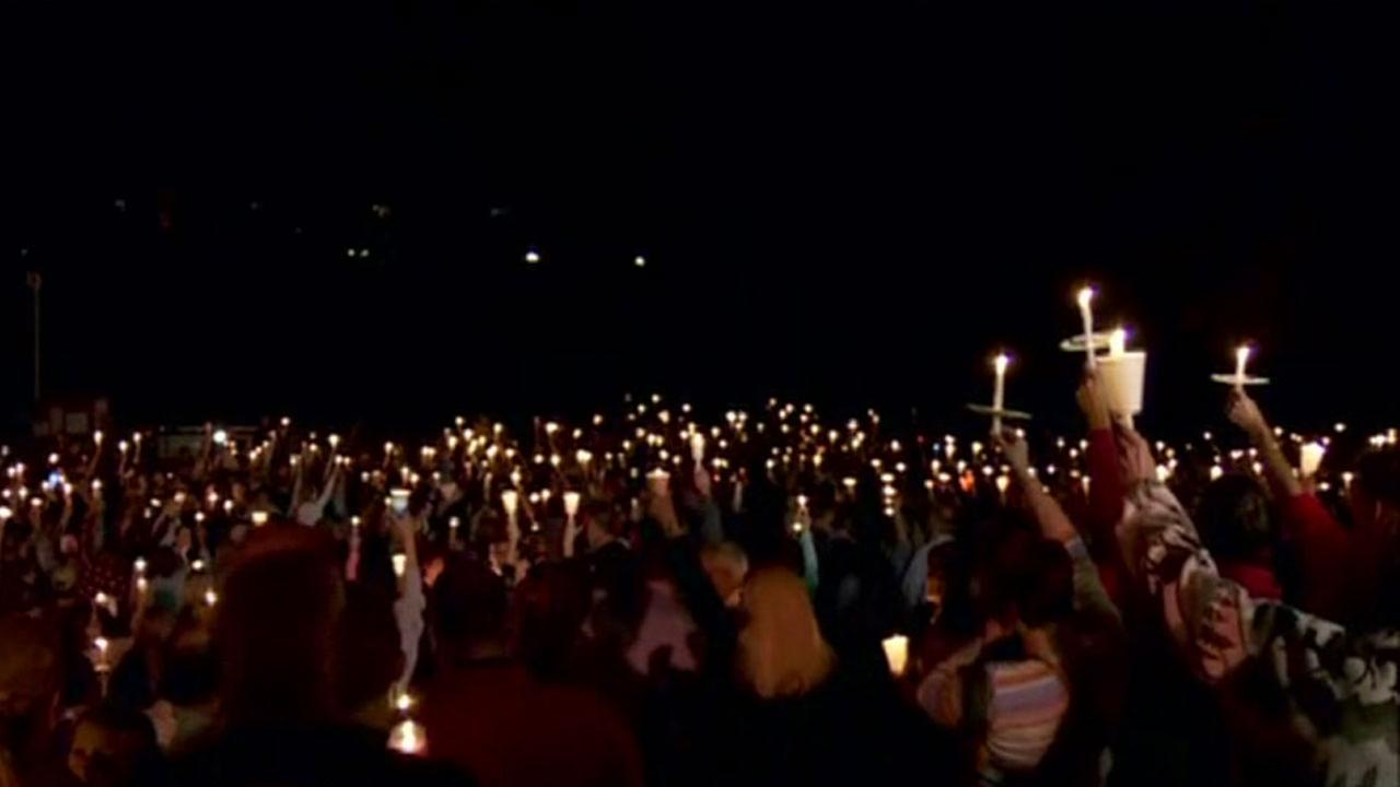 Oregon college shooting candlelight vigil