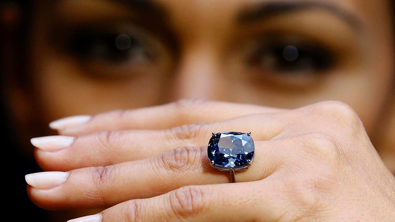 Blue Moon Diamond at Sothebys