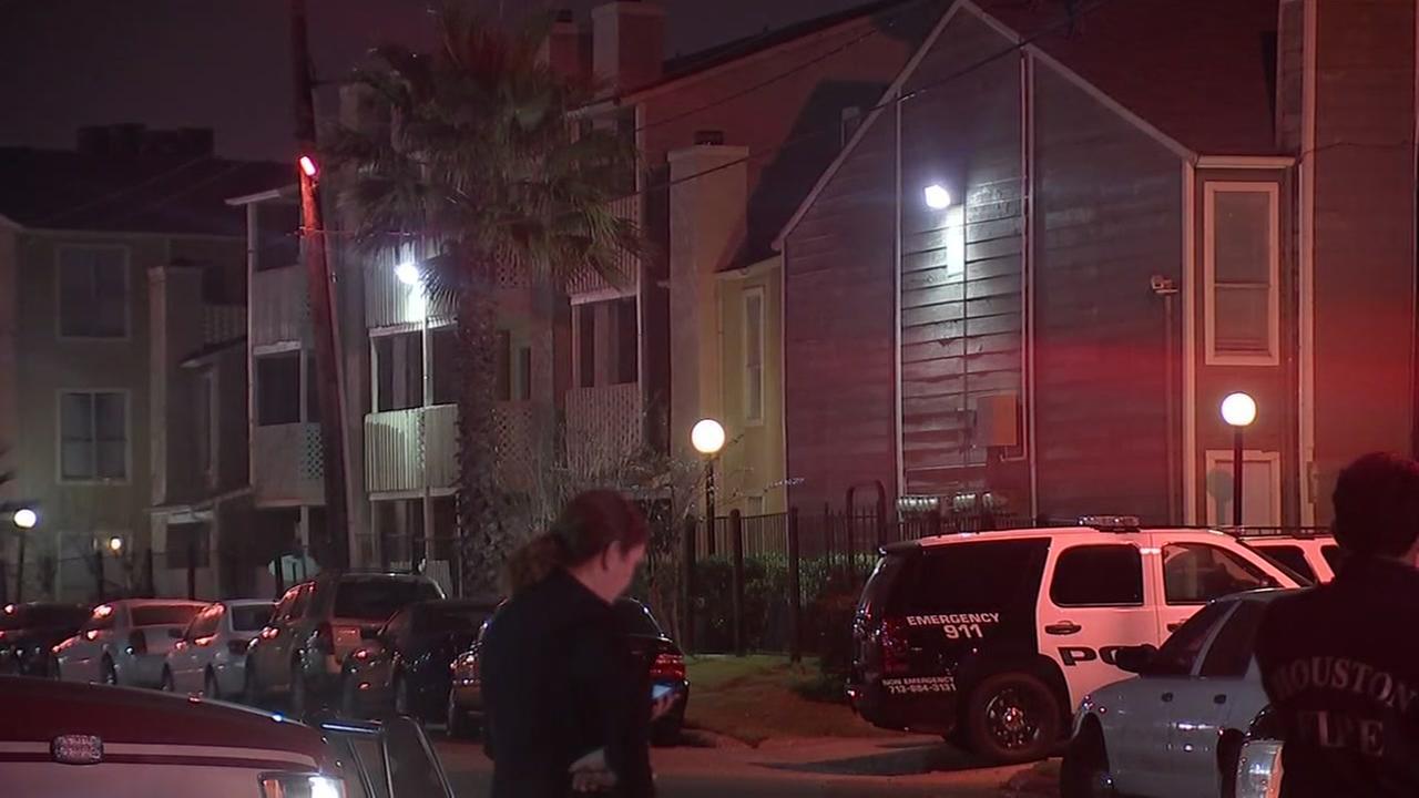 SWAT standoff in SW Houston