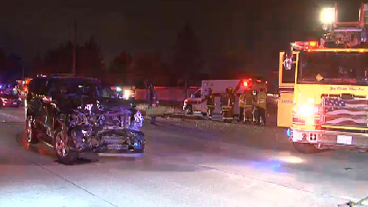 Ten people injured in  N. Harris County wreck