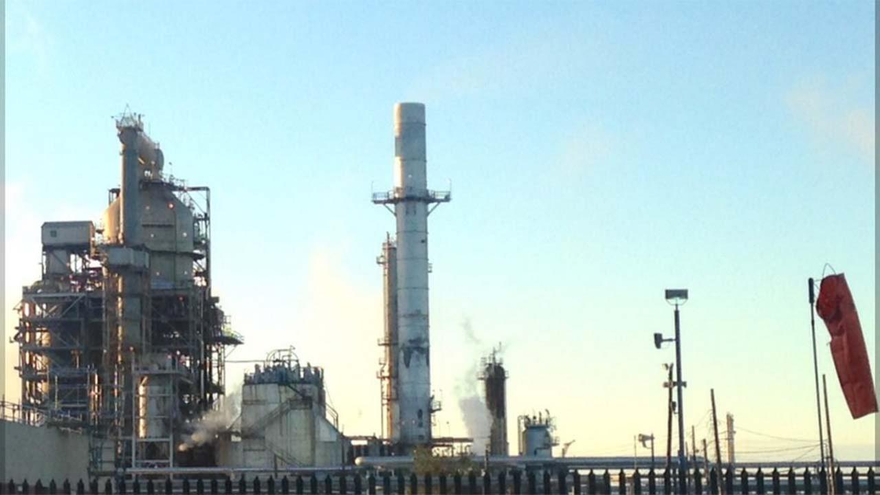 Marathon oil refinery in Galveston Bay