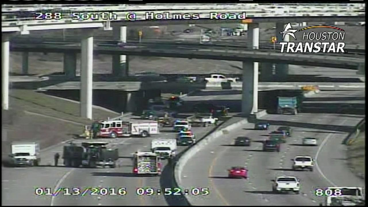 TRAFFIC ALERT: Hwy 288 SB at Holmes shut down due to big rig accident